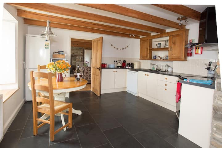 Luxury Farmhouse self catering  St Davids - 1 mile