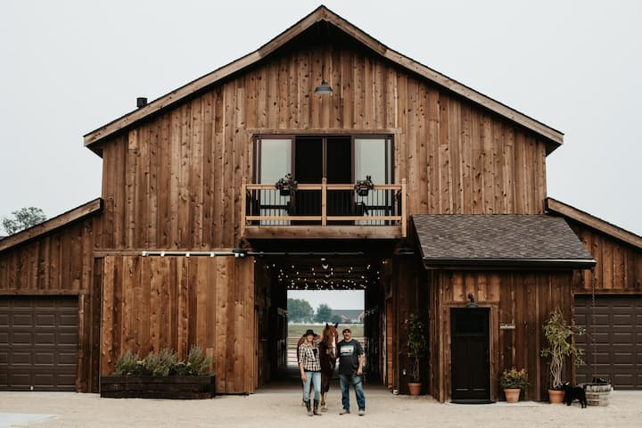 Beautiful Barn Bunkhouse