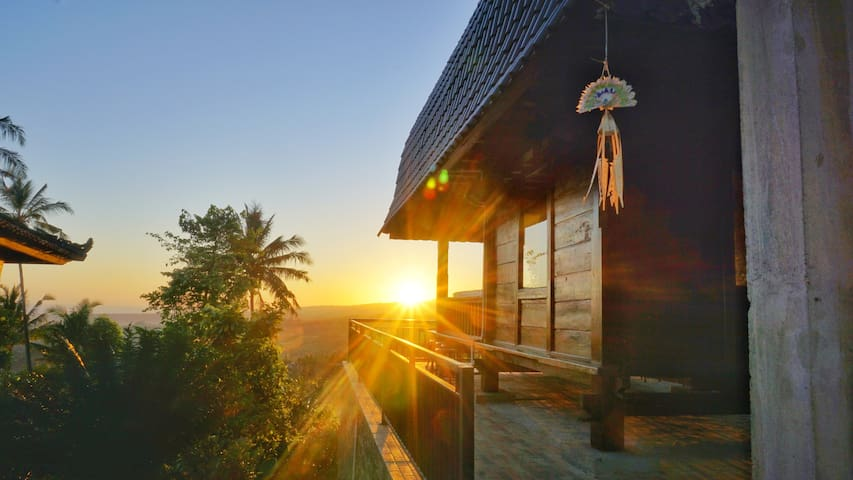 D'Kailash Retreat - Sunrise View Room