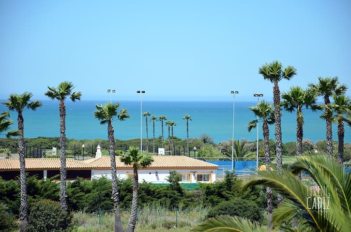 Disfruta de La Barrosa y el Golf en zona tranquila