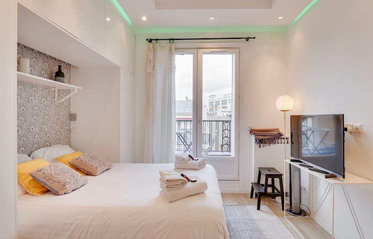Luxurious Studio with Terrace close to Madeleine/Opéra