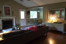Midtown Fayetteville Private Room and Bath