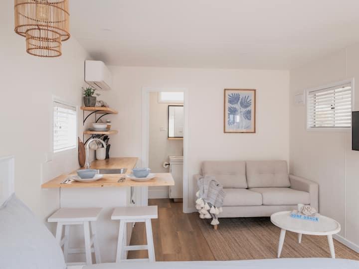 Little Palms - Studio Cabin