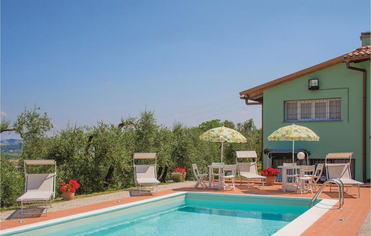 Holiday cottage with 2 bedrooms on 60 m² in Castelfiorentino -FI-