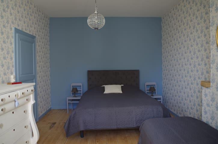 """Chambre """"Bleue"""" Maison de famille"""
