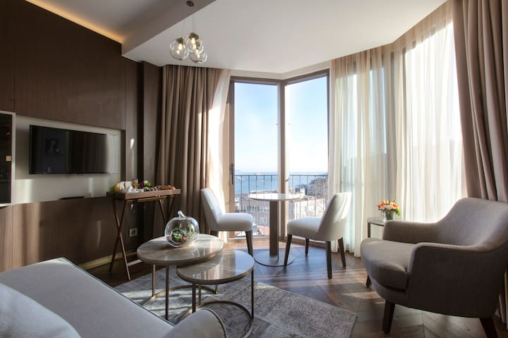 Noble22 Sea & City View Junior Suites - Beyoğlu - Hotel boutique