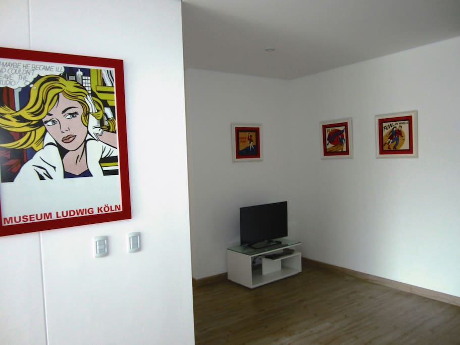 Small studio TV area