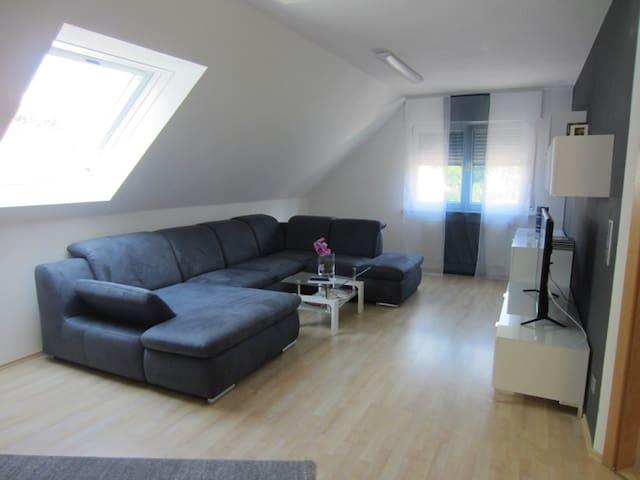 Großes Wohlfühl-Appartement - Kirchheim unter Teck - Byt