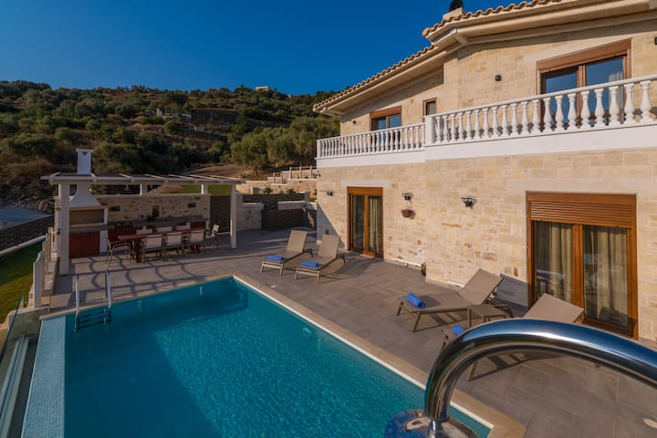 Villa Inder - 3 Bedroom with private pool