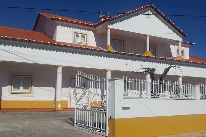 Quinta de São Jorge - Family Farm in Santarém - Santarém - Casa de camp