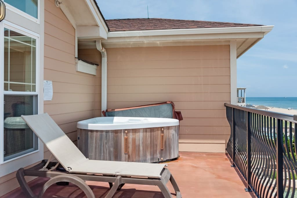 CSC4G: The Penthouse | Oceanfront Hot Tub