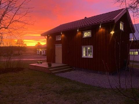 Gårdshuset på landet nära Karlstad.