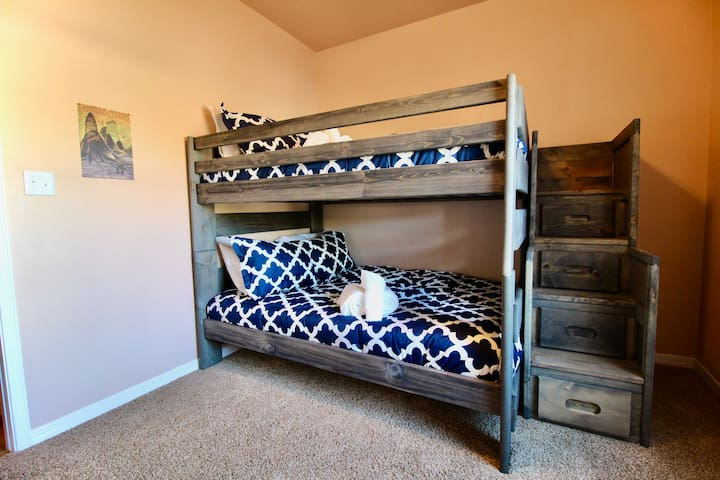 Bunk Room with Double beds - which sleeps 4 easily!
