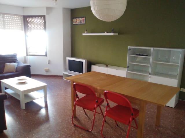 Piso amueblado en el centro - Castelló de la Plana - Apartment