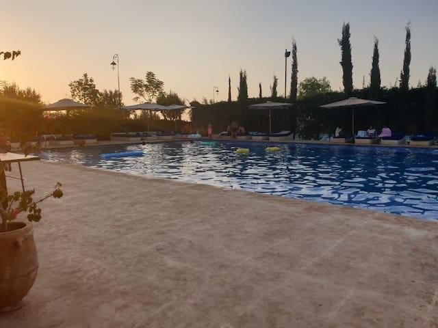 Jolie appartement avec piscine a marrakesh
