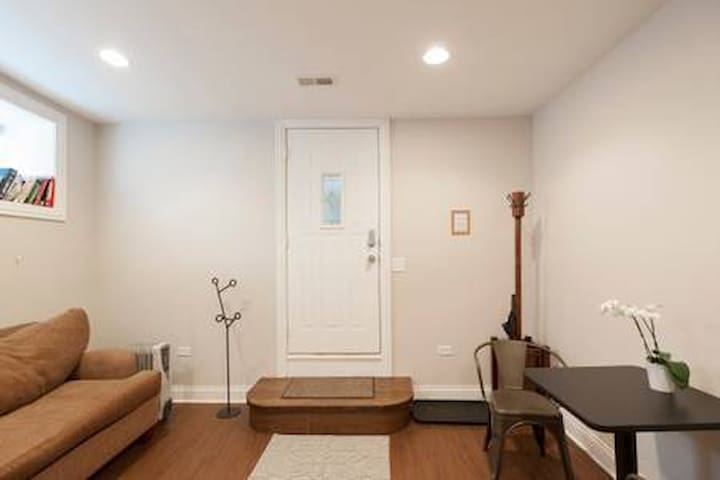 Modern, Spacious, New apt. Private entrance.