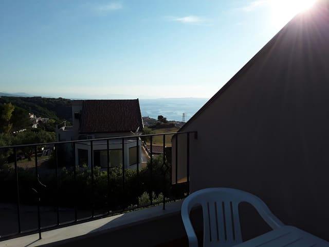 """Casa vacanza """"Colori di Sicilia""""-mini appartamento"""