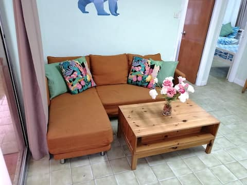 Family and pet friendly retreat in Pui O flat 6