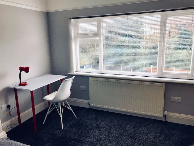 Bedroom, work desk perfect for professionals and students
