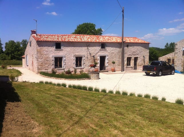 Le Thou Farmhouse, Vendee, France. - Saint-Hilaire-des-Loges