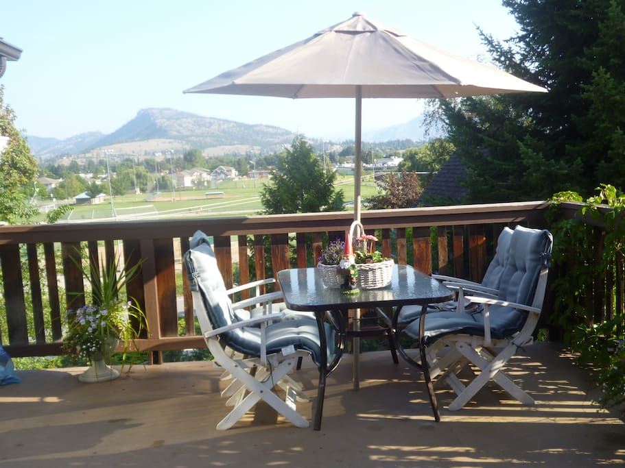 Fantastic front and back deck to enjoy views and nature!