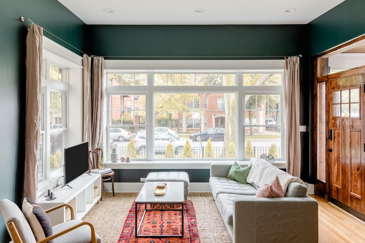 Edgewater Glen Suite in Historical Home
