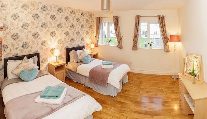 No 1  Four Bedroom House Killarney!