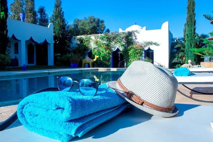 Chambres privé avec piscine, petit déjeuner inclus