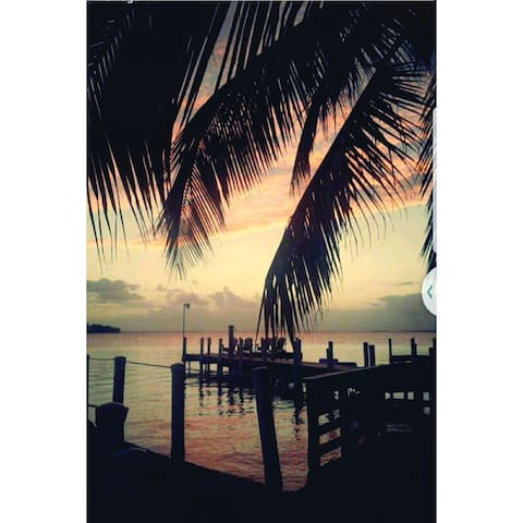 2Br 1Bth Dock/waterfront access Beautiful Sunsets!
