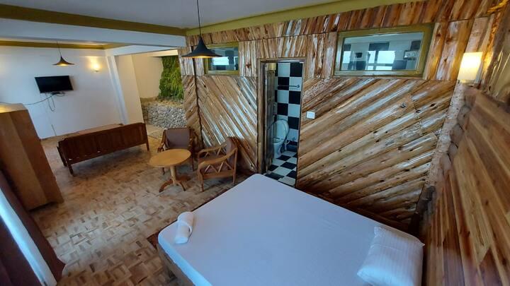 Jopa Delo Inn (Home in the Hills )