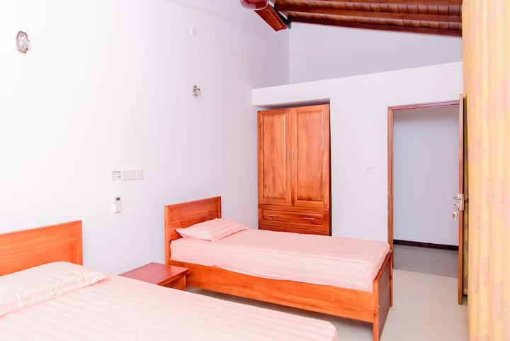 Accommodation in the  heart of Wellwatha