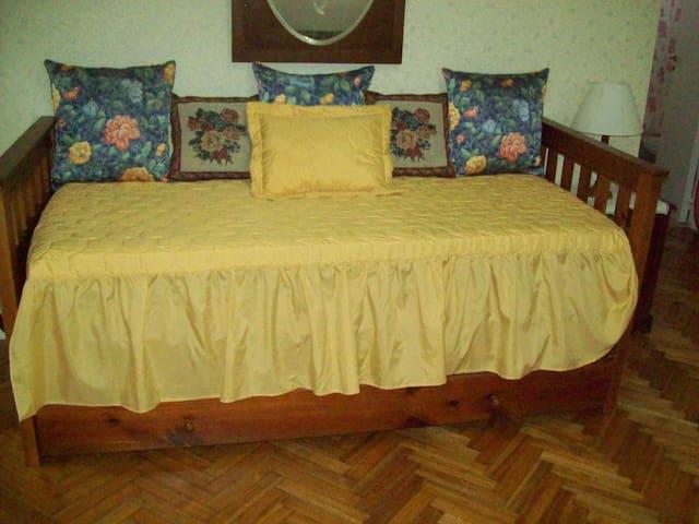 Sofa Cama, con cama carrito