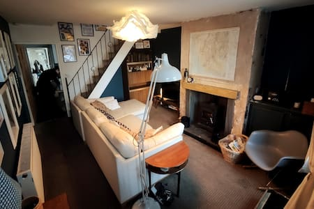 Unique, cosy, Lake District artist hideaway - 6 bd