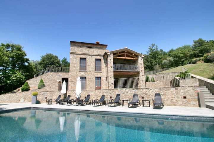 Casa Padrone immense lake views, pool, jacuzzi - Gosparini