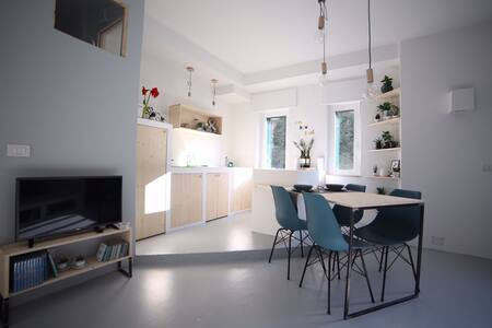 FRIENDLY LOFT IN THE NAVIGLI AREA - Milaan