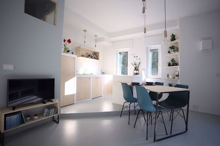 FRIENDLY LOFT IN THE NAVIGLI AREA - Milano - Daire