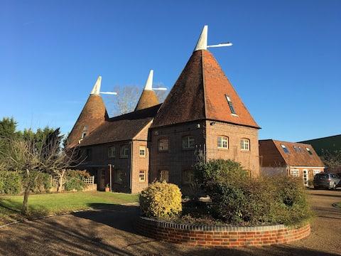 Den Farm Oast Barn, Collier Street, Kent