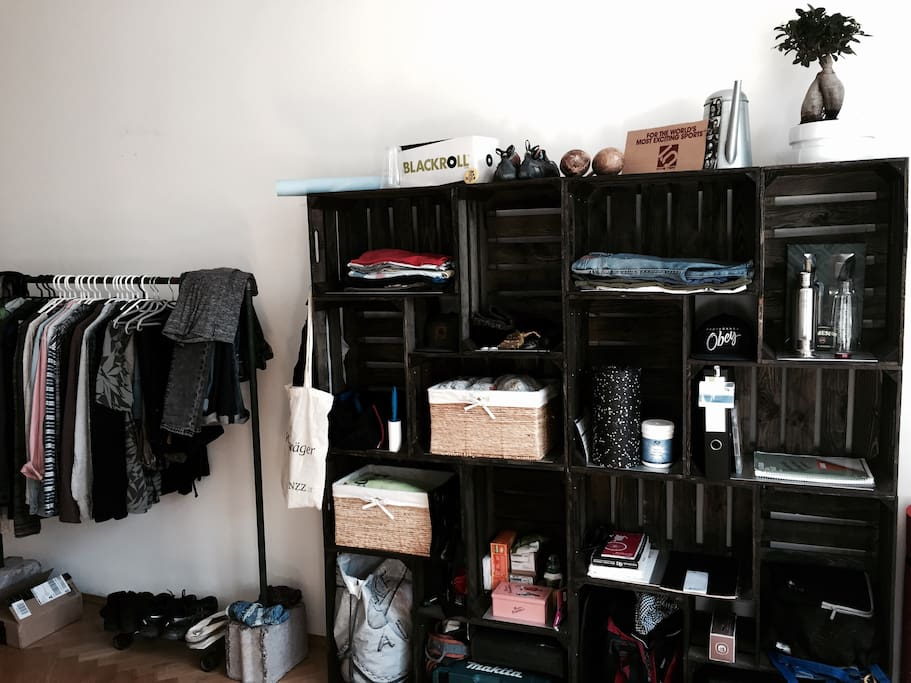 clothes rail + shelf