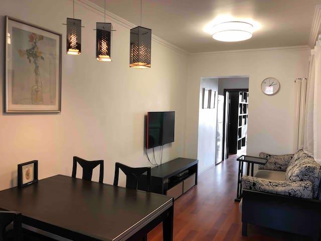 安静的老北京小区,出租整个房源,全新装修,可做饭