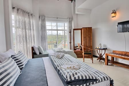 Deluxe Triple Room - Mountain view/Private Balcony