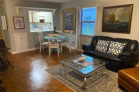 Complete 2/2 End-Unit Townhome near Beaches & Mayo