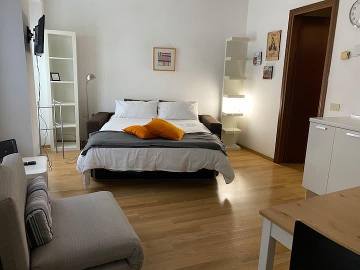 LOVELYLOFT, cool studio in Porta Genova