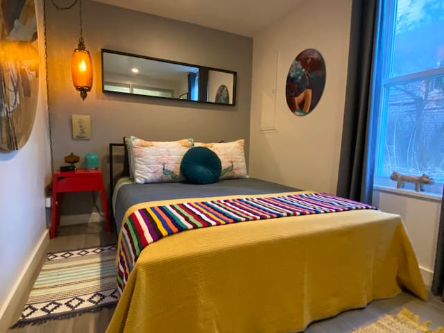 Super Cozy Bed/Bath in Awesome Andersonville Home!