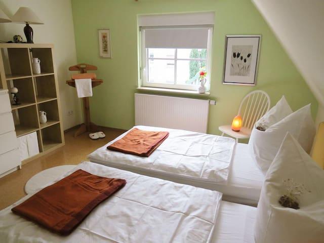 Öko Haus Namaste - Doppeltbettzimmer - Oberasbach - Casa