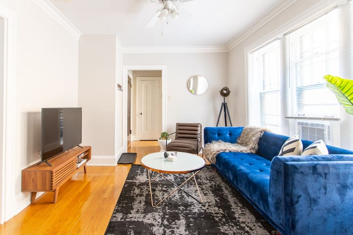 Clean Vintage 1BR Apt in Lincoln Square