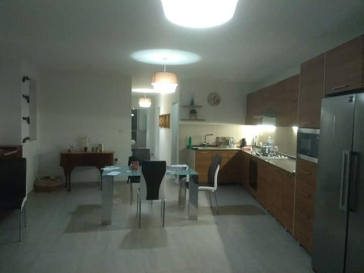 Brand new 3 bed 2 bath apartment on the 3rd floor