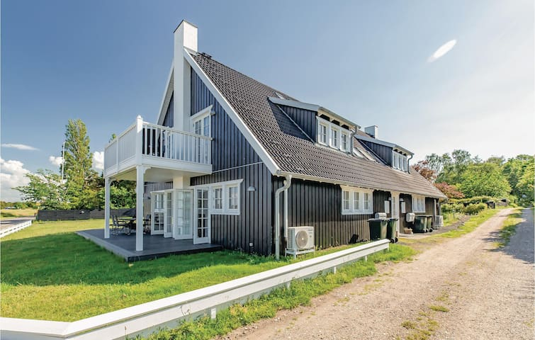 Holiday apartment with 2 bedrooms on 97m² in Nykøbing Sj