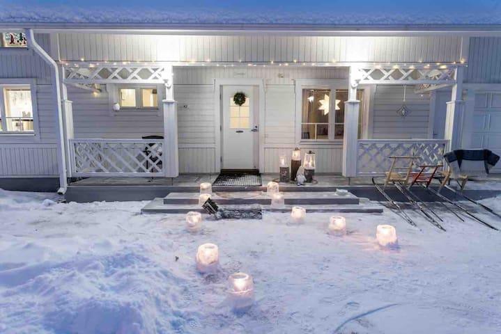 Lämpöinen kotimme luonnon ja palveluiden äärellä