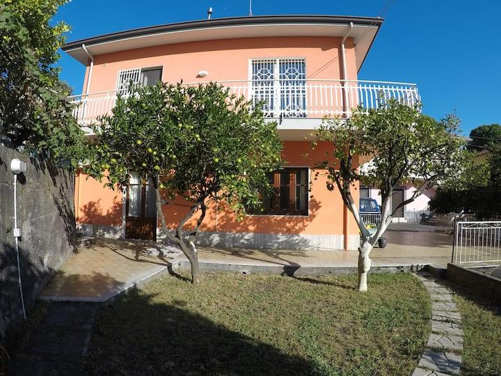 Intera casa - L'atmosfera dell'Etna con parcheggio
