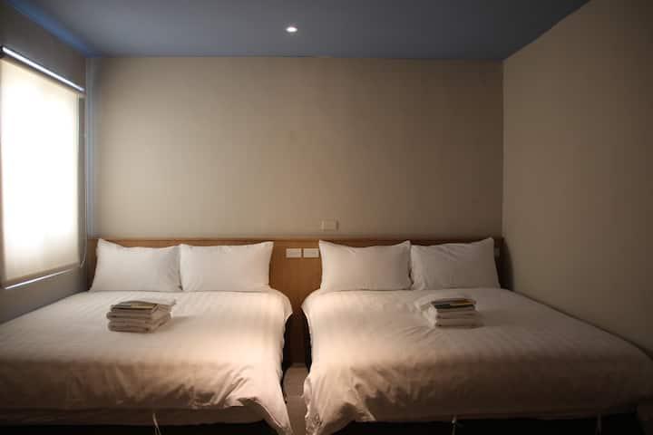 門廷若室旅店鐵花秀泰館 標準四人房
